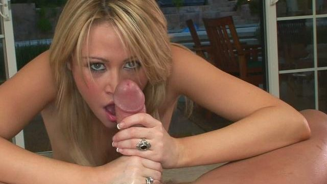 Sexy Sindee Jennings Licks This Large Yingyang And Sucks It