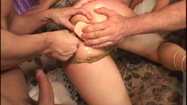 Hottie Slut In Golden Lingeria Kelly Wells Will Get Hunkers Dildoed And Mated In A Threesome