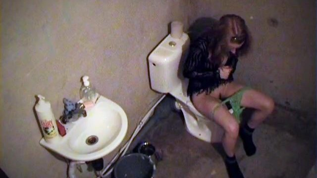 Undercover Agent Video With Kid's Ecstasy On Bathroom