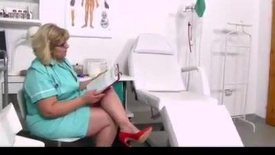Ana Enfermera Jalandosela A Un Sujeto Y Se Viene En Sus Pia Zadoras