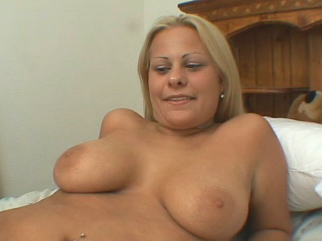 Huge-boobed Blondie Seductress Casey Cole Displaying Her Puny Rosy Coochie