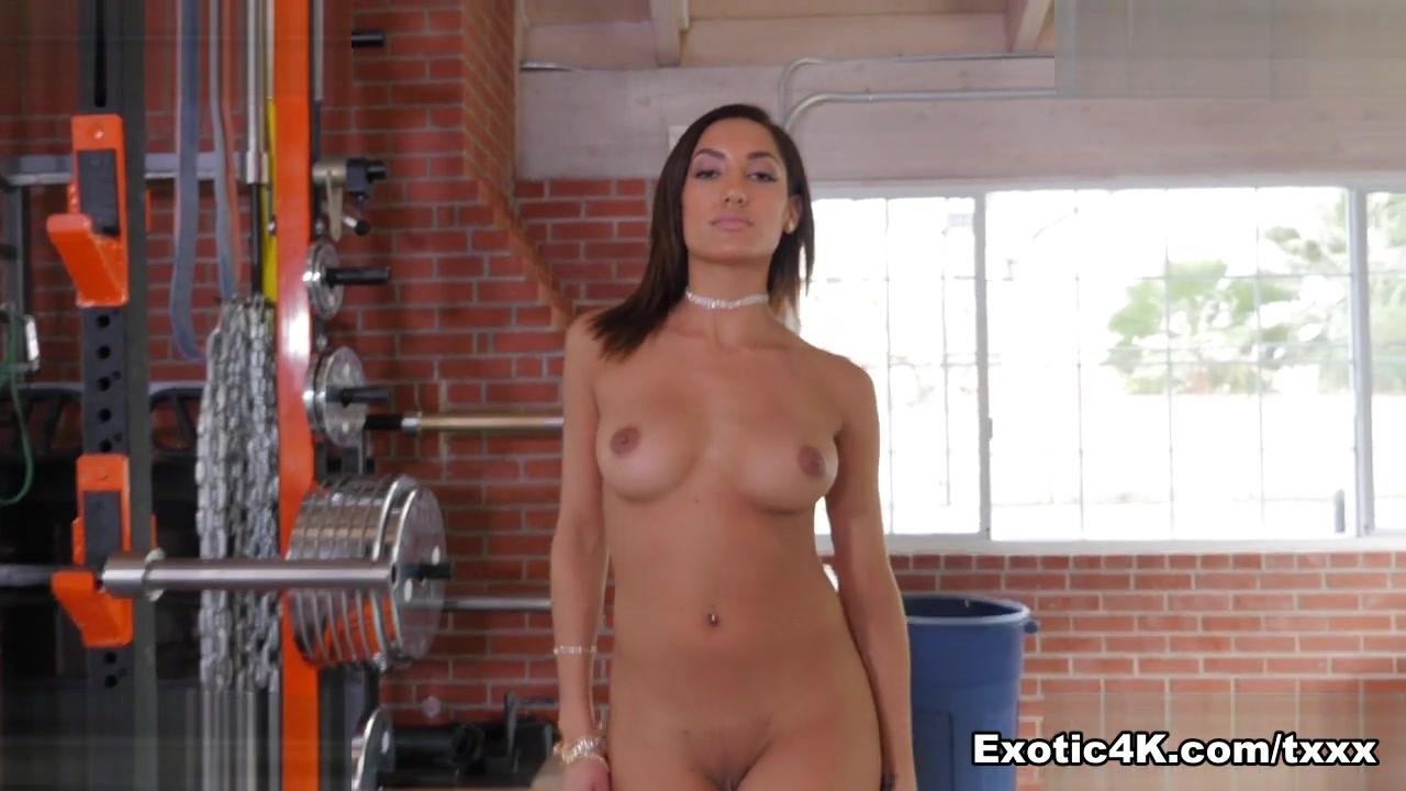 Chloe Amour In Dancing Taunt – Exotic4k